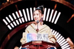 黄圣依节目调侃:我在喜剧方面进步特别大